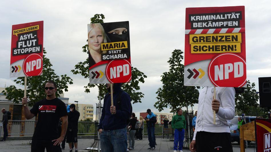 """NPD-Kundgebung vor Asylbewerberheim in Berlin: """"Eindeutig und nachhaltig nationalsozialistische Ideologie"""""""