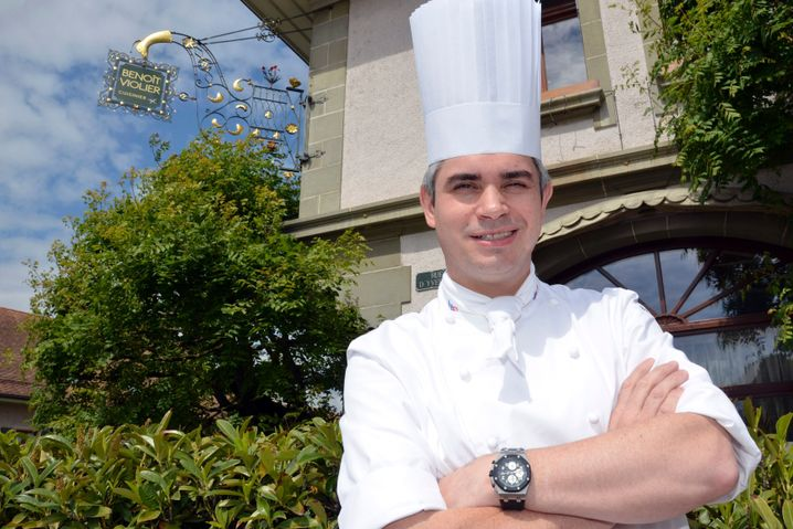 Benoit Violier vor dem Restaurant de l'Hôtel de Ville Crissier
