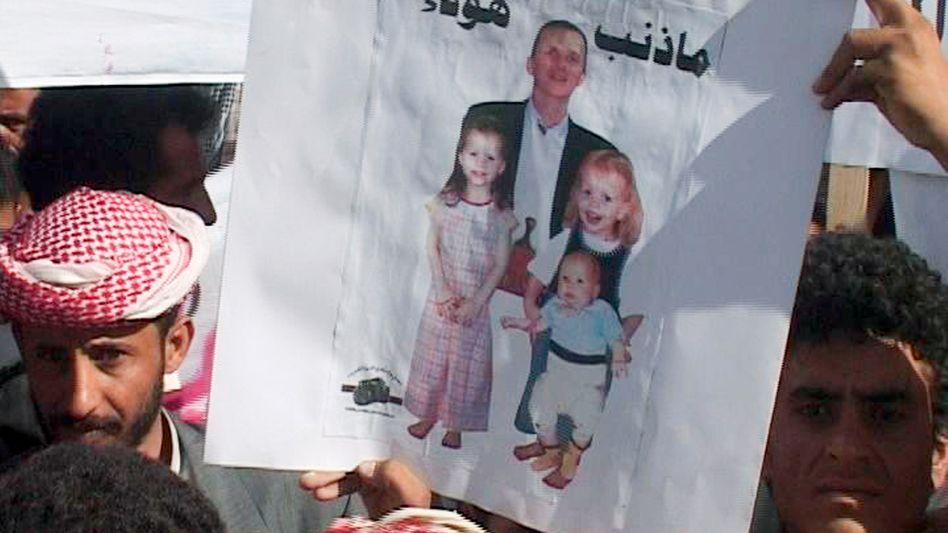 Bild der deutschen Geiseln (Ausschnitt aus Jemens Staatsfernsehen): Friedliche Freilassung