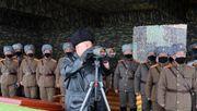 """Kim lobt """"Langstrecken-Artillerie""""-Übung"""