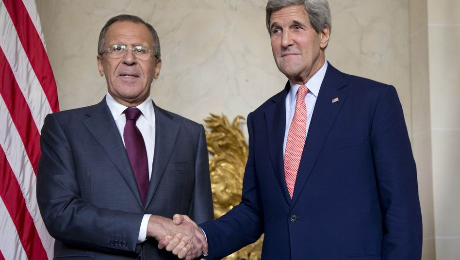 Außenminister-Treffen: Sergej Lawrow (links) und John Kerry