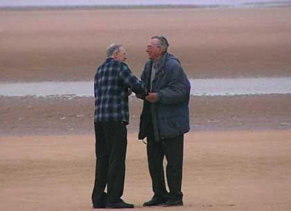 """Silva, Severloh am Strand von Omaha Beach: """"Nie um Vergebung gebeten, aber verziehen"""""""