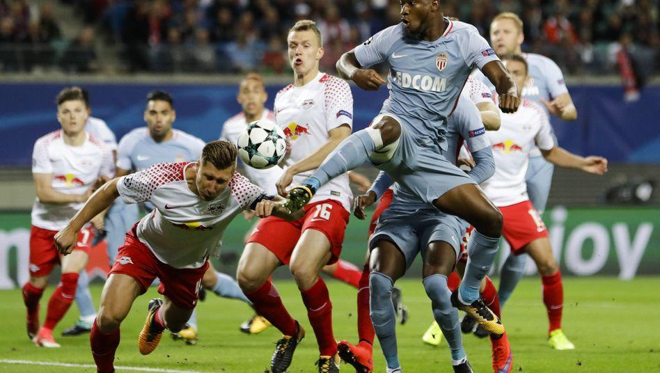 Leipziger Abwehrspieler im Spiel gegen Monaco