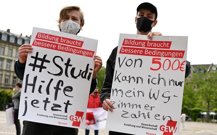 """Studenten fordern Hilfe: """"Von 500 Euro kann ich nur mein WG-Zimmer zahlen"""" (Archivbild)"""