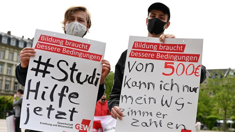 Protestierende Studenten (in Wiesbaden)