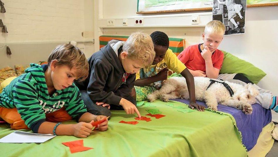Schulkinder im Bildungshaus Lurup