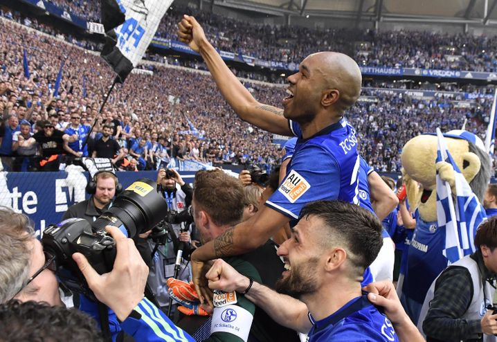 Schalke feiert Derbyheld Naldo