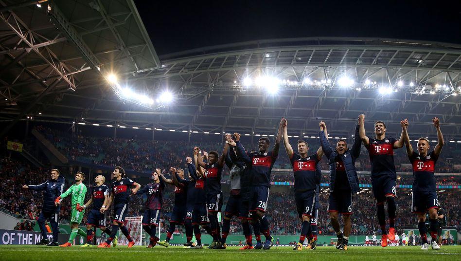 Jubelnde Bayern-Spieler in Leipzig