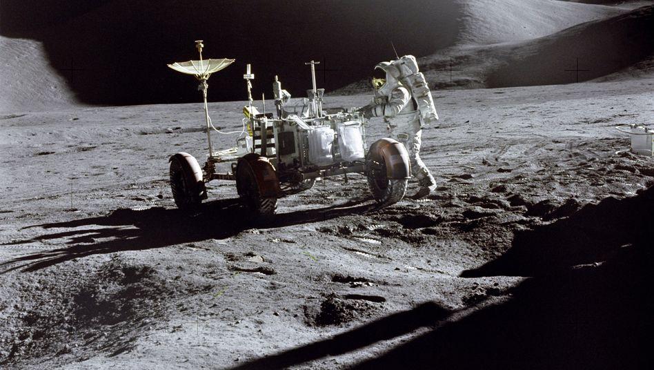 US-Astronaut James Irwin Ende Juli 1971 während der Apollo-15-Mission auf dem Mond