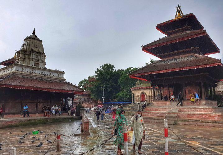 Nepal führt Maskenpflicht in der Öffentlichkeit ein, das Prinzip Freiwilligkeit hat nicht funktioniert