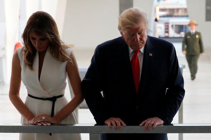 """""""Worum geht's hier?"""": Trump und First Lady Melania Trump an der Gedenkstätte von Pearl Harbor"""