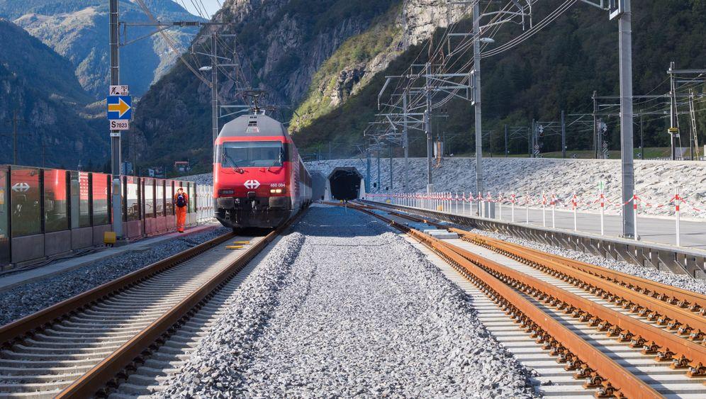 Der neue Gotthard: Licht am Ende des Tunnels