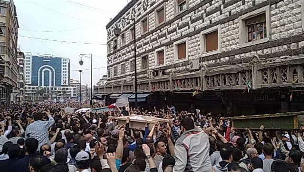 Unruhen in Syrien: Die Protestwelle wächst