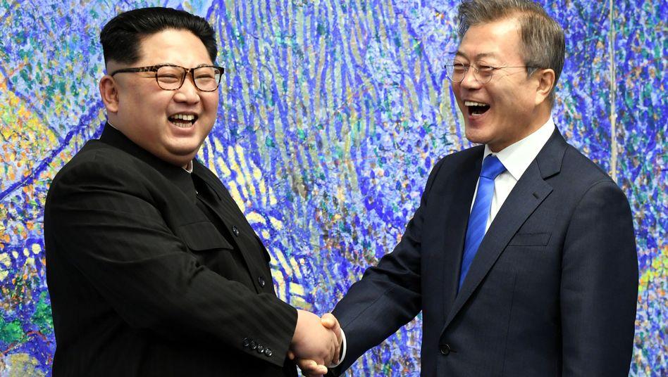 Kim und Moon beim Treffen im April 2018