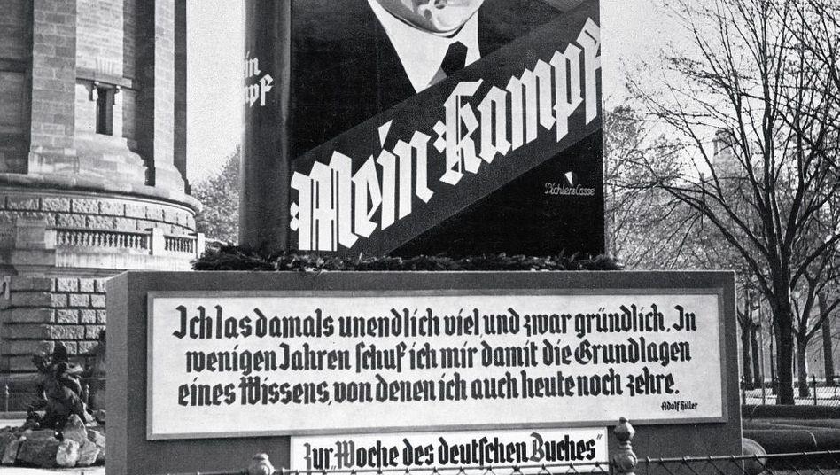 Werbeplakat für »Mein Kampf« während der »Woche des deutschen Buches« 1934 in Mannheim
