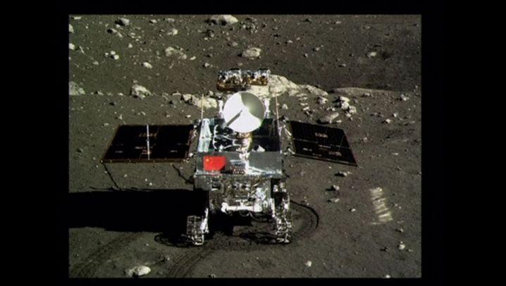 """""""Chang'e-3"""": Rover """"Jadehase"""" sendet erste Bilder"""