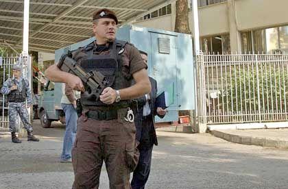 Libanesischer Sicherheitsmann vor dem Prozessgebäude in Beirut: Nach neun Minuten war alles vorbei