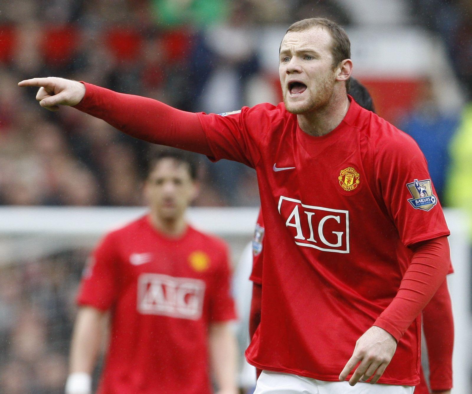 Wayne Rooney gestikuliert