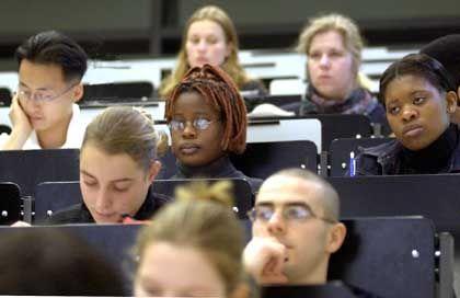 Studenten in Deutschland: Sie müssen sich von ihren Professoren einiges anhören