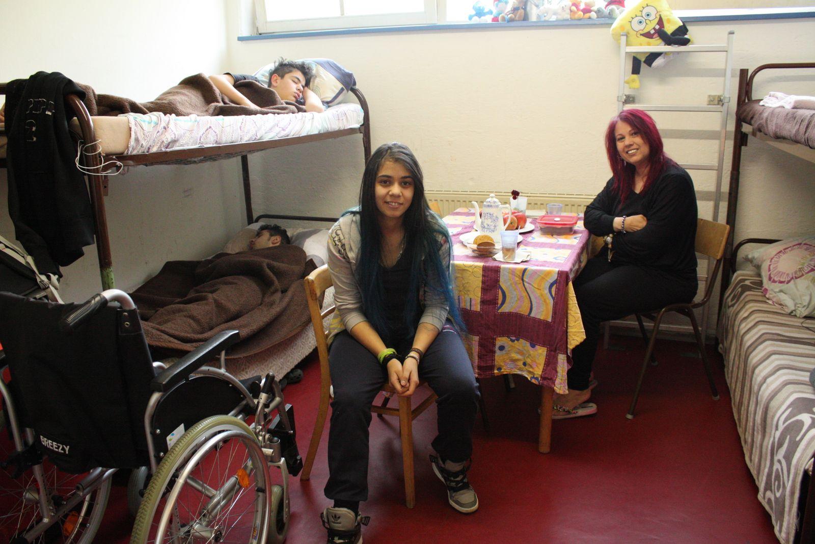 EINMALIGE VERWENDUNG Behinderte Flüchtlinge