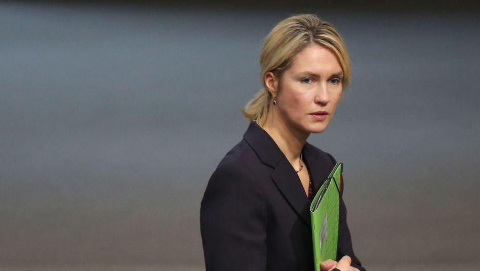 Familienministerin Schwesig: Schluss mit der Extremismusklausel