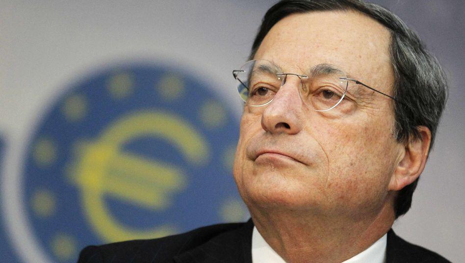 """Alexander Dobrindt über Mario Draghi (Bild): """"Er missbraucht die EZB als Schaufelrad"""""""