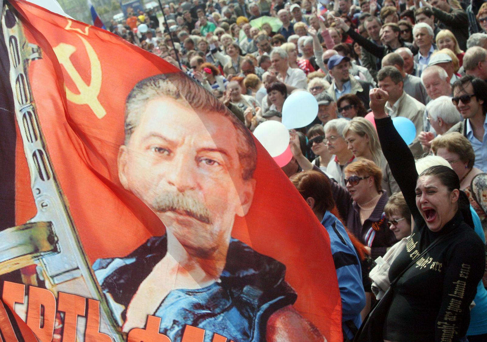 UKRAINE-RUSSIA-CRISIS-POLITICS-MAY1-DAY-PROTEST