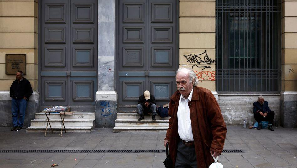 Bankfiliale in Athen: Poker um weitere Hilfen