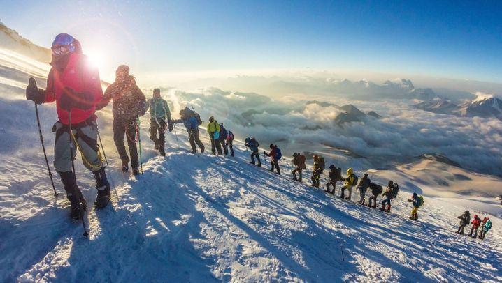 Elbrus im Kaukasus: Der eisige Riese