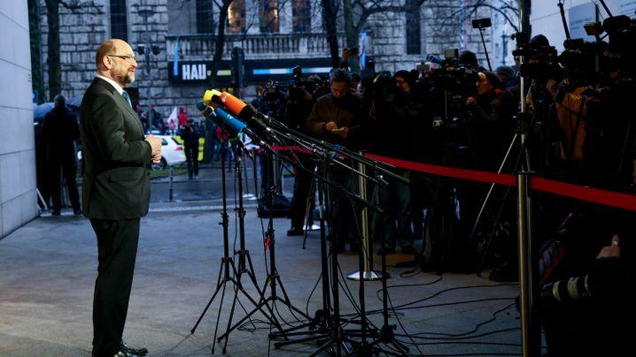 Marathonsitzung von CDU, CSU, SPD: Ab Mitternacht war Sondieren Chefsache