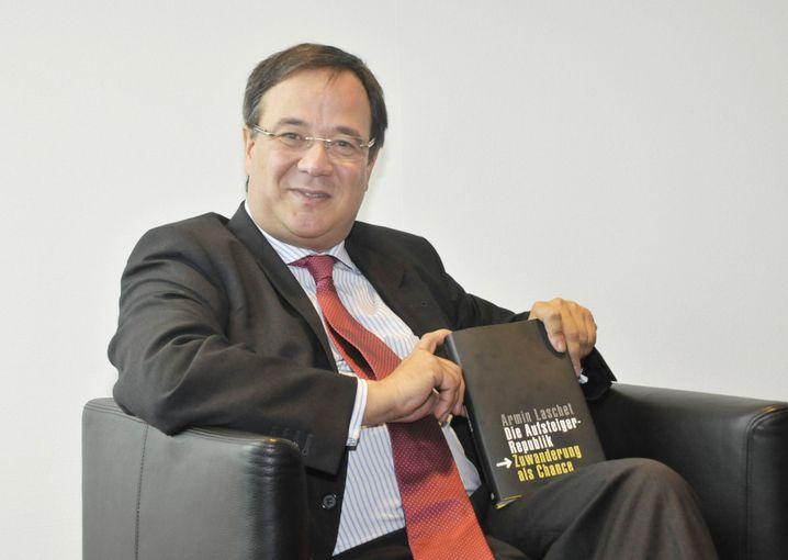 Armin Laschet, damals Integrationsminister in NRW, 2009 bei der Präsentation seines Buchs »Die Aufsteigerrepublik – Zuwanderung als Chance«