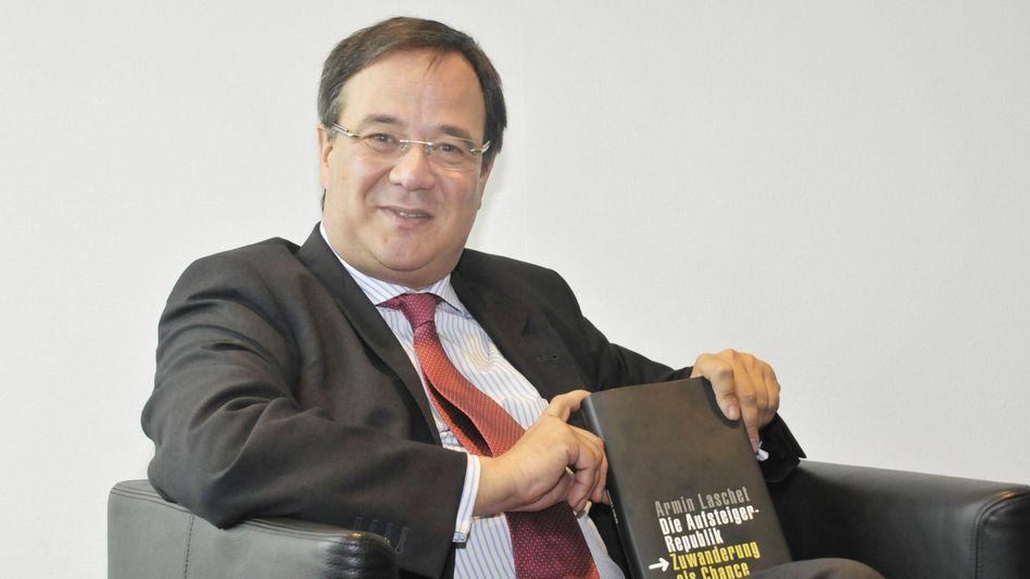 Armin Laschet 2009 bei der Präsentation seines Buchs