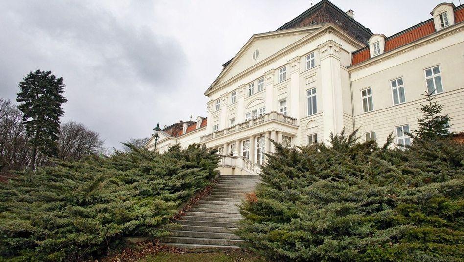 Schloss Wilhelminenberg bei Wien: Ein Ort, der Kindern Angst einjagen kann