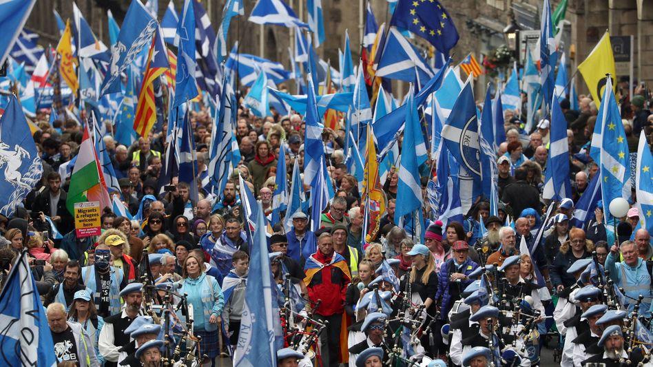 """Demonstranten in Edinburgh: """"Was für ein Tag!"""""""