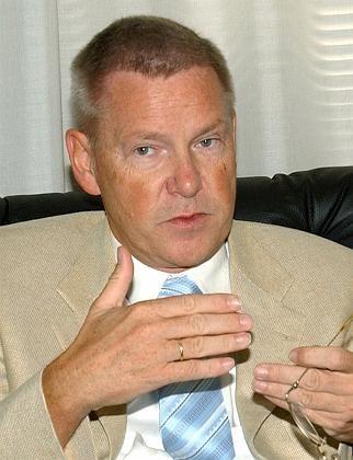 Chief U.N. investigator Detlev Mehlis is bringing his meticulous techniques to the investigation.