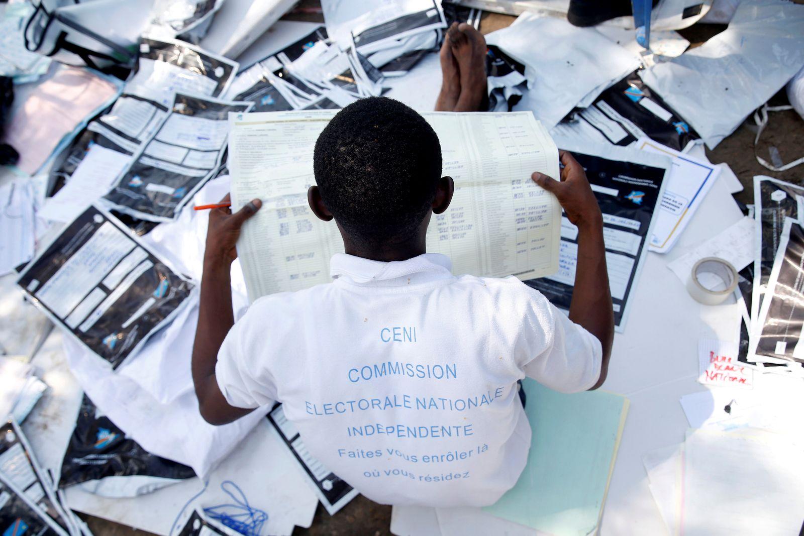 Stimmauszählung im Kongo
