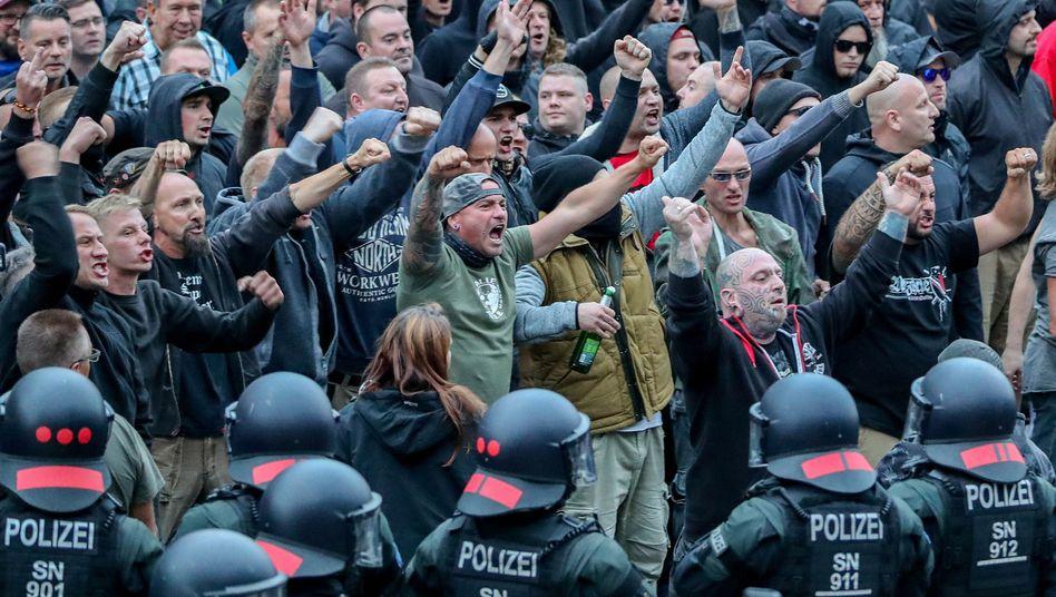 Demonstranten aus der rechten Szene in Chemnitz (August 2018)