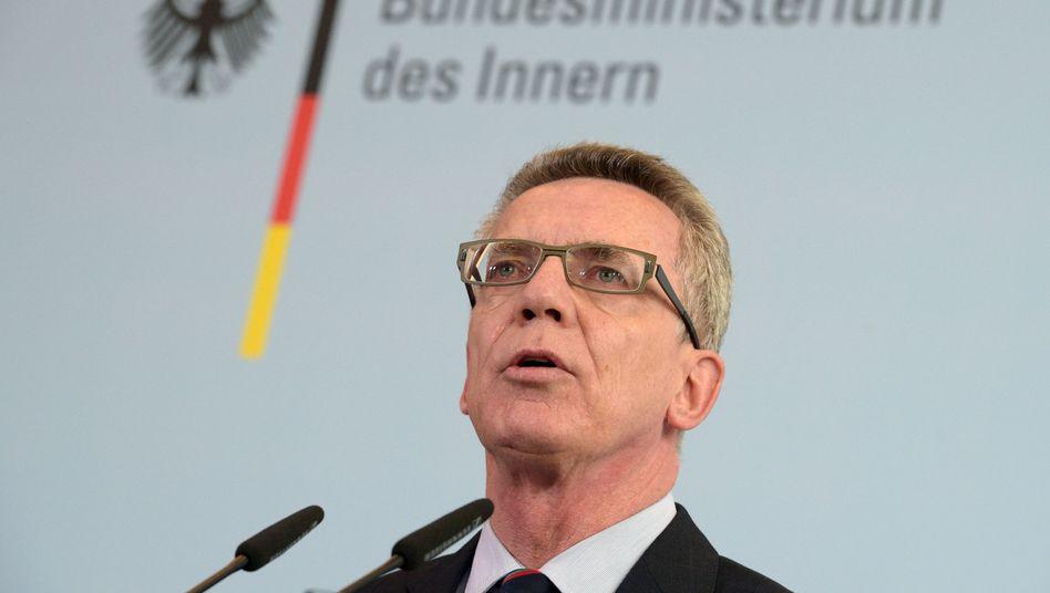 """Bundesinnenminister de Maizière (Archiv): """"Unwürdig und unanständig"""""""