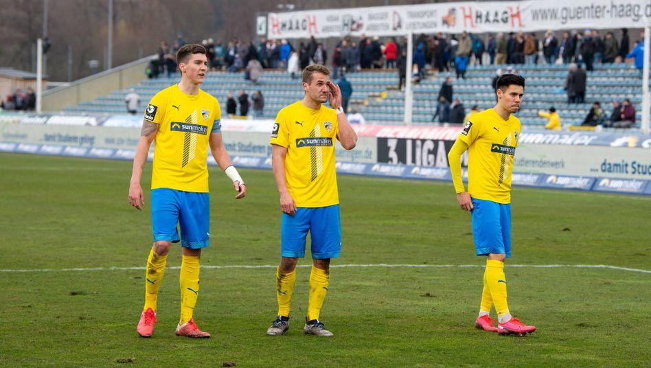 Spieler des FC Carl Zeiss Jena nach der Partie gegen 1860 München
