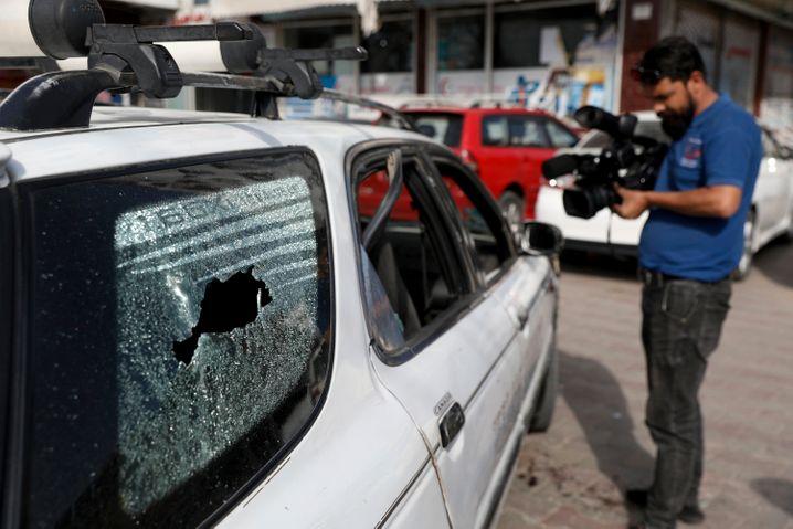 In diesem Auto wurde der afghanische Regierungssprecher Dawa Khan Menapal erschossen