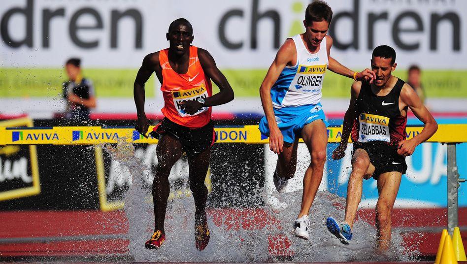 Der algerische 3000-Meter-Hindernisläufer Khaled Belabbas (rechts): Fasten muss sein