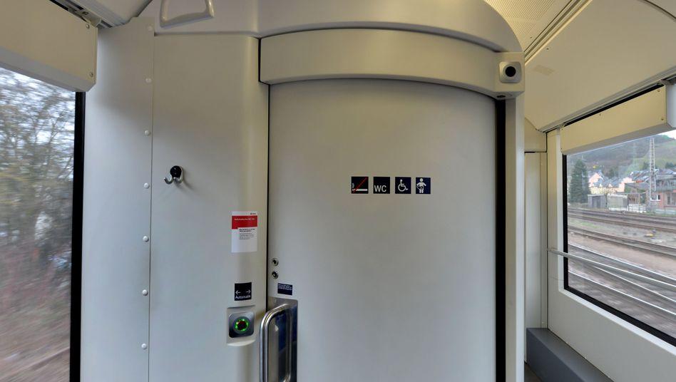 """Waggon einer Regionalbahn: Kein """"Rechtsanspruch auf eine Toilette"""""""