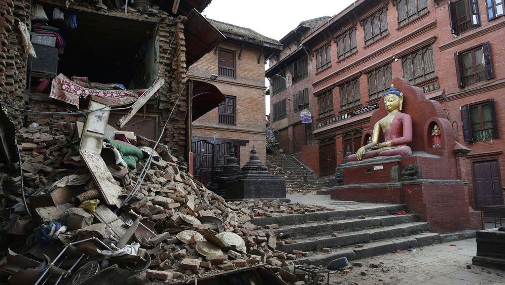 Zerstörung nach dem Erdbeben: Katastrophe im Himalaya