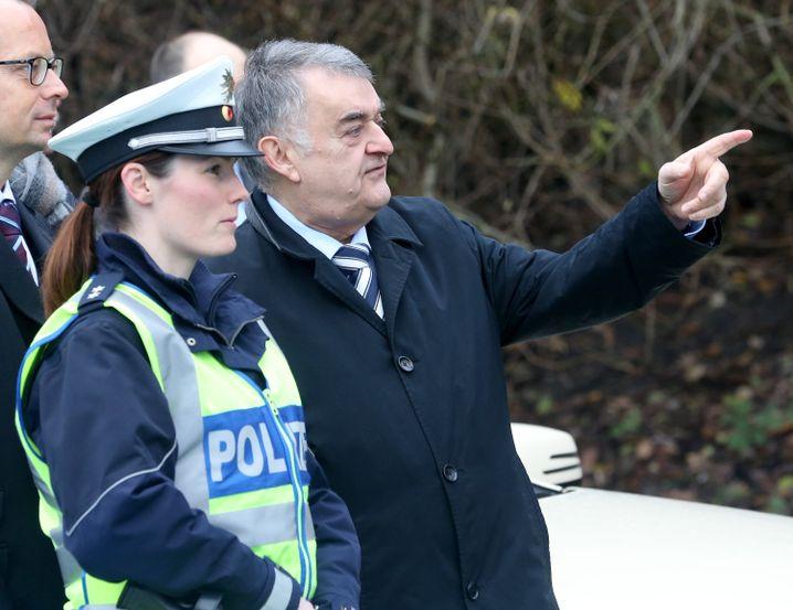 Polizistin, NRW-Innenminister Herbert Reul