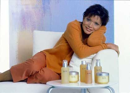 """Kosmetik-Model Glas (im """"Home Shopping""""-Kanal): """"Was mir vorschwebt ist, dass die Frauen kämpferischer werden"""""""