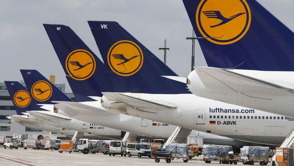 Parkende Lufthansa-Maschinen in Frankfurt: Behinderungen schon vor dem Streik