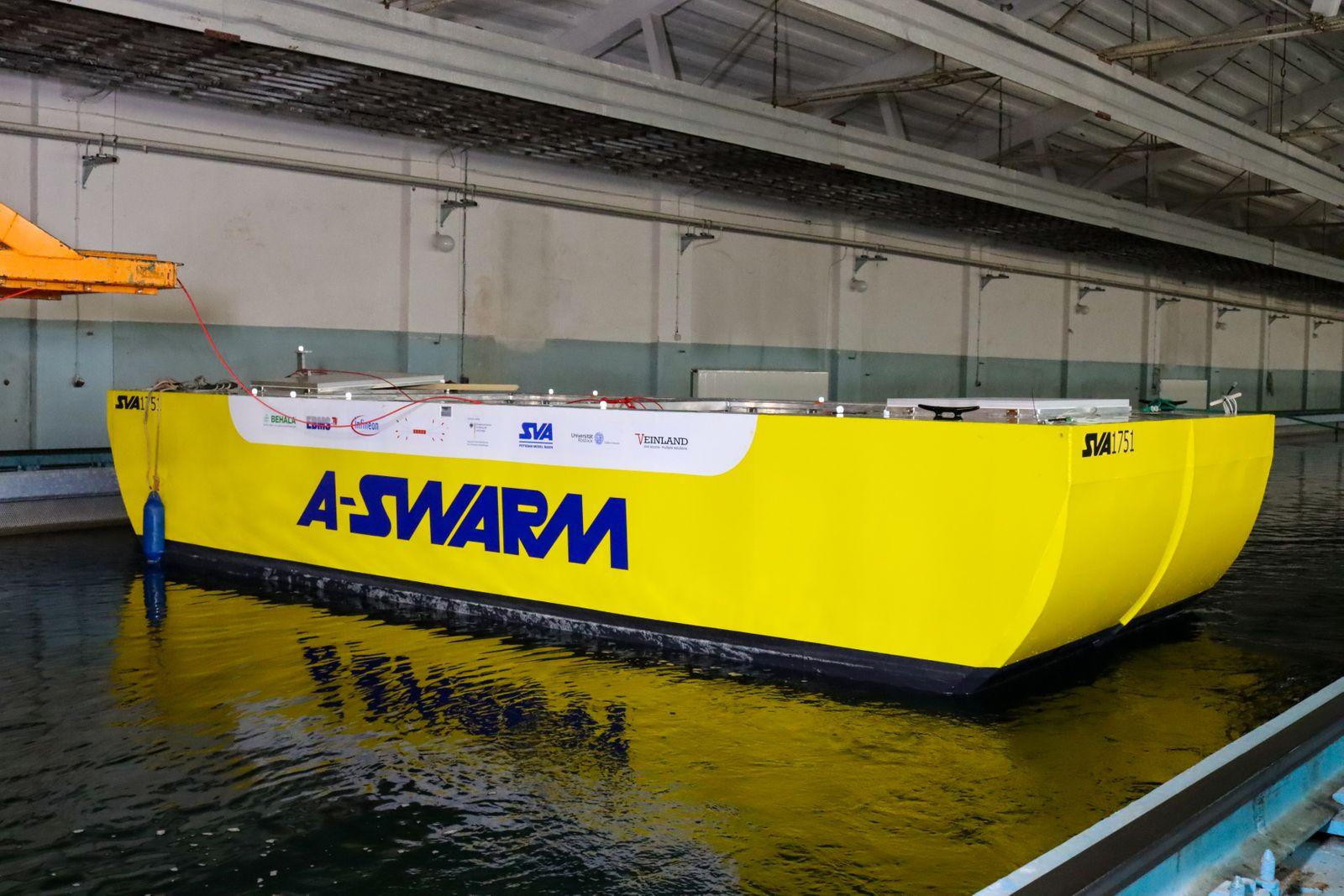 """Test des """"A-SWARM""""-Prototypen in der Schlepprinne der """"Schiffbau-Versuchsanstalt Potsdam"""""""