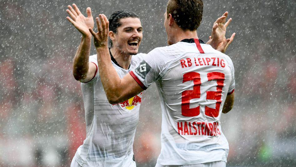 Erfolgreiche Kombination: Leipzigs Marcel Sabitzer (links) und Marcel Halstenberg