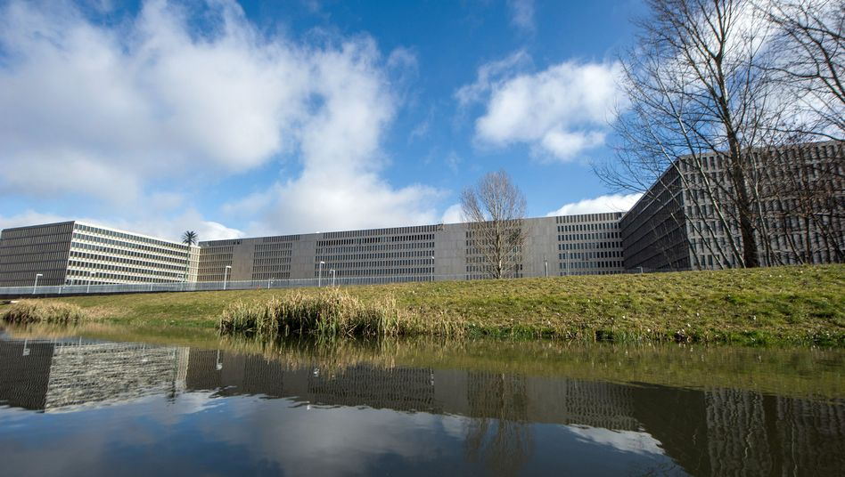 BND-Neubau in Berlin: 2000 Quadratmeter Bürofläche geflutet