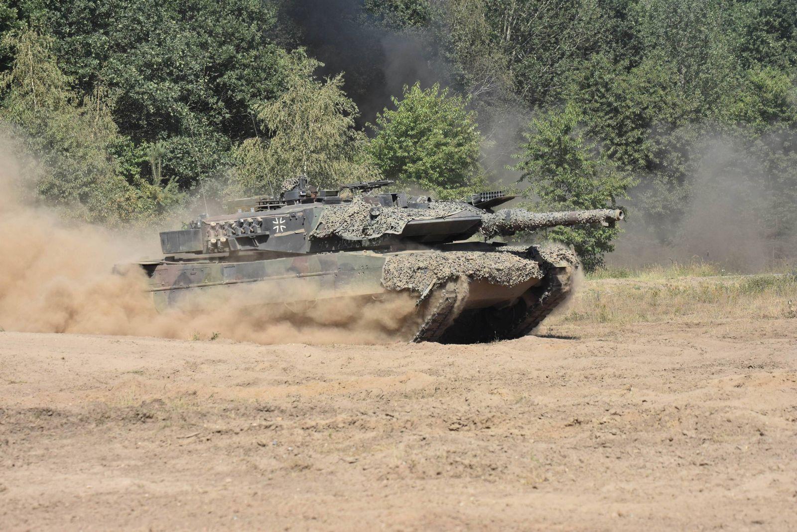 EINMALIGE VERWENDUNG Kampfpanzer Leonard